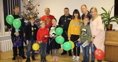 Kalėdinis pareigūnų šeimų smiginio turnyras