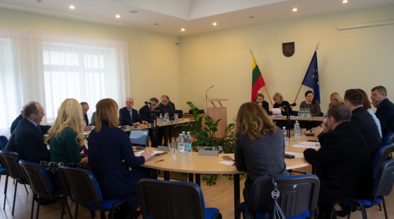 Vasario posėdyje svarstyta trisdešimt klausimų (VIDEO)