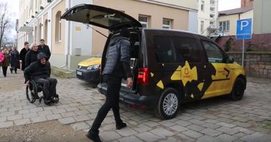 Ukmergėje pradeda veikti socialinis taksi