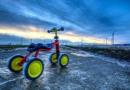 Mediniai balansiniai dviratukai. Kodėl juos verta dovanoti?