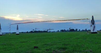 Jaunieji aviatoriai pasiryžę stebinti ne tik Lietuvą