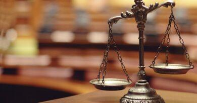 Teismo posėdis nukeltas